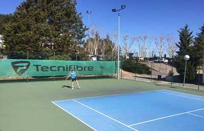 Escuela de tenis y p del de la universidad europea en for Piscina cubierta navalcarnero